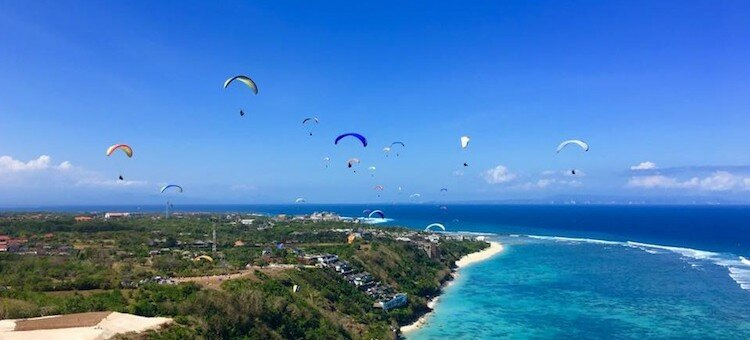 PARAGLIDING IN PARADISE